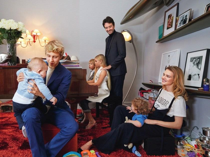 Наталья Водянова показала свою семью и элитные апартаменты в Париже
