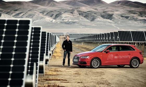 Новый автомобиль Audi с солнечной крышей