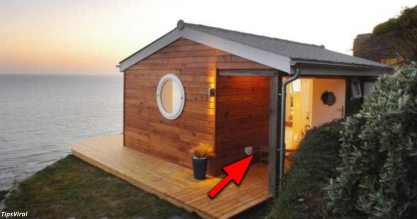 Все смеялись, что у него такой маленький дом. Но они обалдели, когда зашли внутрь