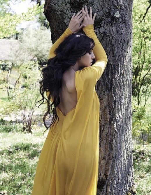 Сексуальная Моника Беллуччи в свежей откровенной фотосессии. Зацени всё сам!