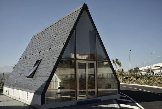 Модульный дом: собирается за 6 часов и складывается в случае землетрясения